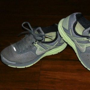watch 7a568 d9fce WOMENS Nike Stucture 16 Running Shoes Size 8.5